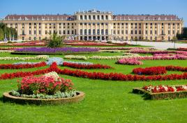 Čudoviti dvorec s parki Schonnbrun- Tur Tur Turizem